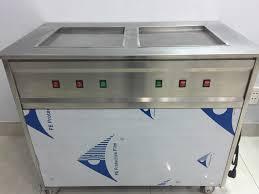 Máy làm kem cuộn giá bao nhiêu